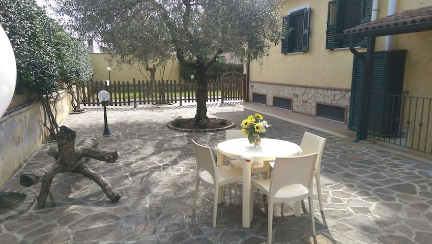 Casa con giardino wi-fi - Roma - Townhouse