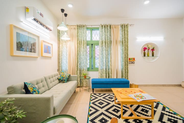 OYO - Chic 1BR Home Featuring English Interiors + Garden