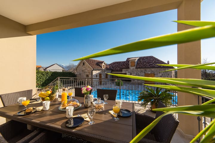 Villa Granny's Gold**** -3 Bedroom Villa with Pool