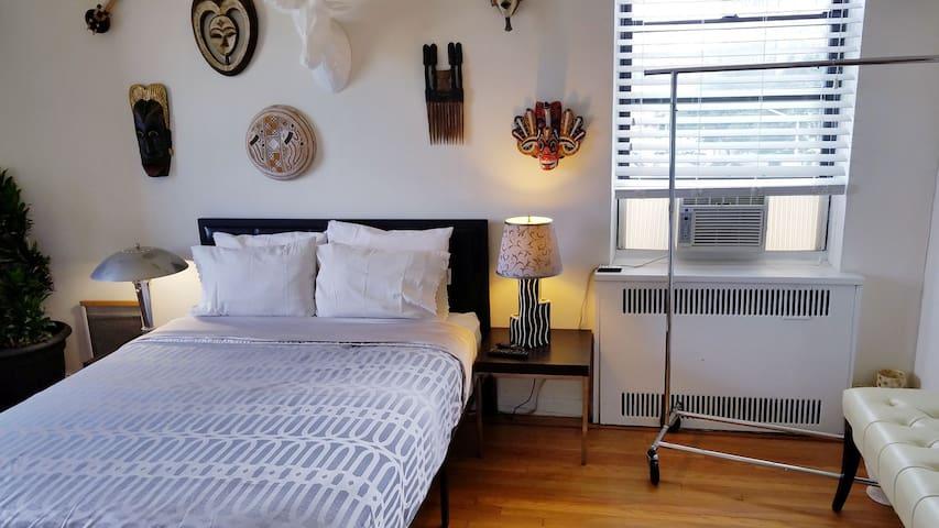 Private Hotel Style room w/PRIVATE BATH & VIEWS