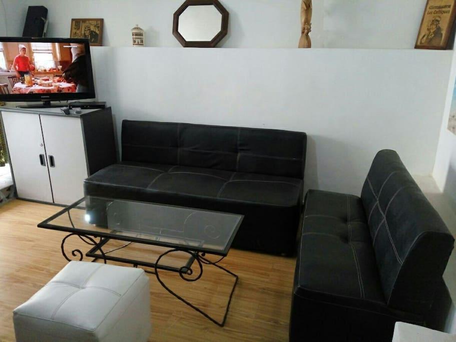 Isoraka plein centre 40m2 1 living 2 chambres for Chambre 40m2