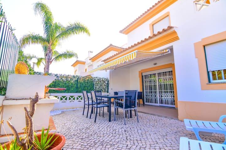 Beautiful and Modern Villa in Albufeira, Algarve