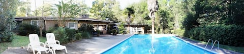 Detached Guest House + Private Pool by USA Campus