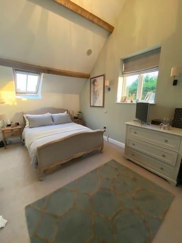matser bedroom + ensuite