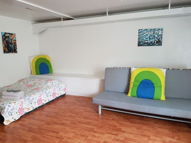 LARGE STUDIO in MONTREAL CLOSE TO DOWNTOWN $800/mo