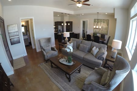 The Blue Bonnet Suite - Marble Falls - Appartamento