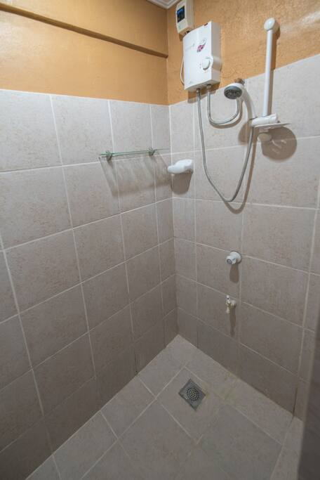 Room 11 Clean bathroom and hot and cold shower