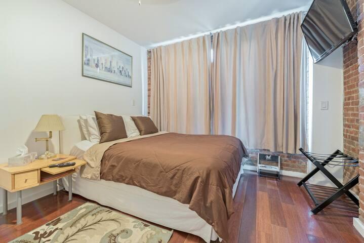 The inevitable bedroom scene