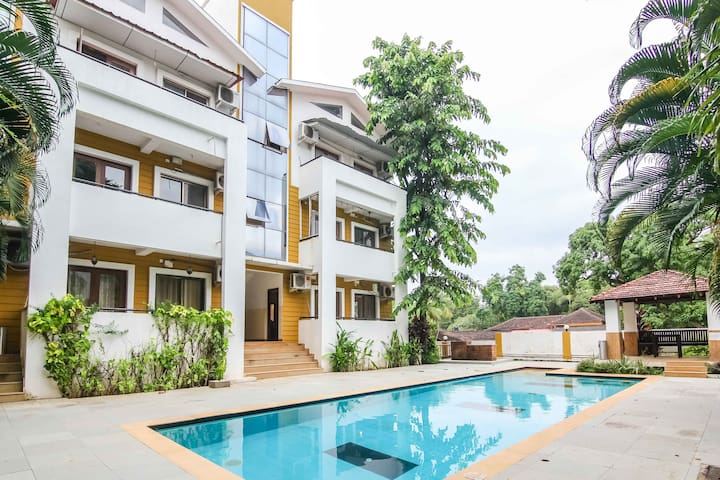 Poolside 2 Bedroom Apartment in Anjuna,Goa