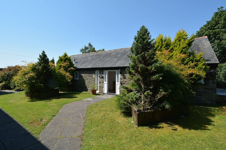 Woodpecker's Barn - Detached barn with charming features in an AONB near Looe