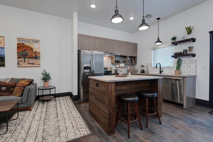 Upscale One Bedroom in Historic Galloway Area