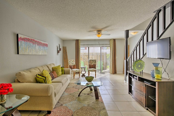 Tampa Apt w/ Pool Access - Near USF Campus!