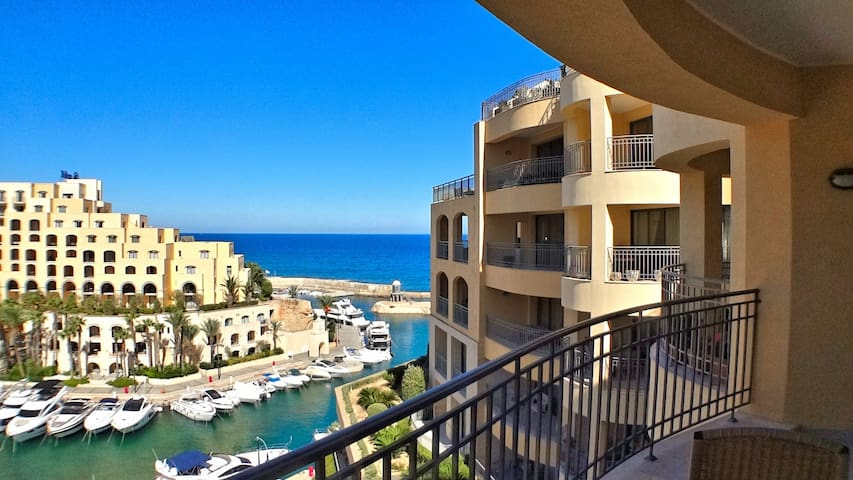Seaview and Marina 2 bedroom Apartment
