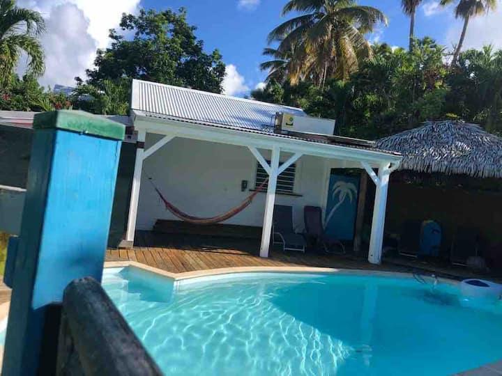 Lagon Sainte-Anne : au calme et à 2 pas des plages