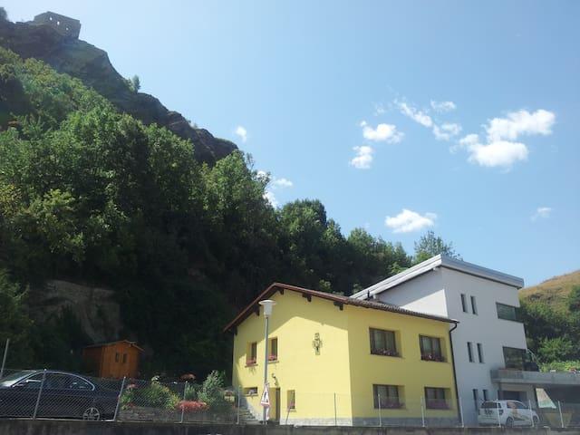 charmant appartement proche de vieille ville Sion