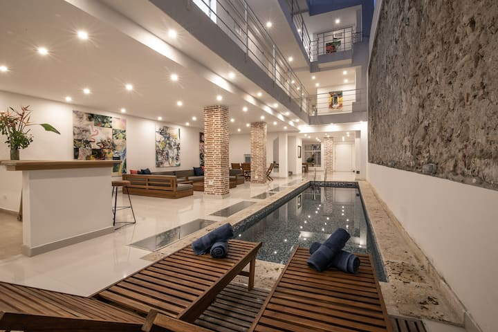 13 Bedroom Mansion in the Old City