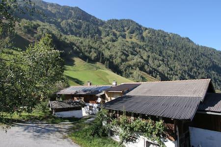 Tranquilo Apartamento en Rauris en medio de las Montañas