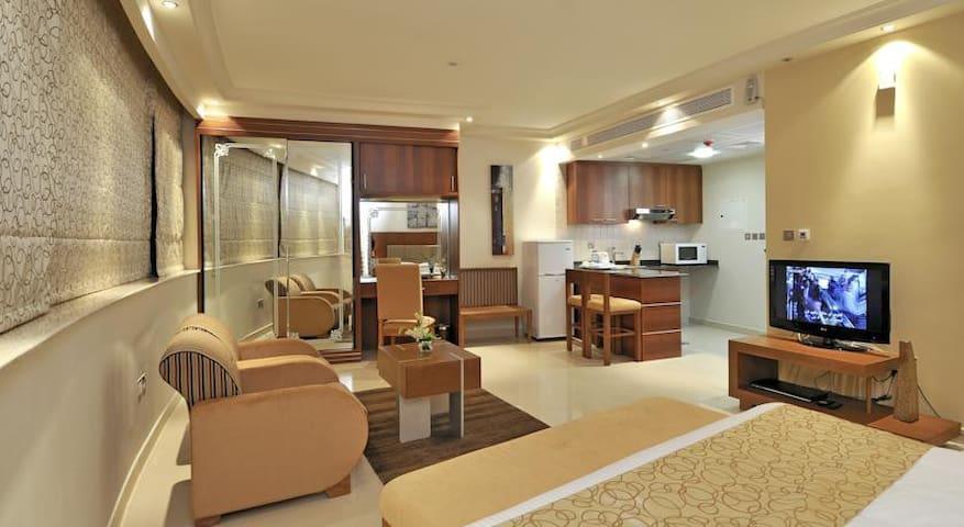 SPACIOUS FURNISHED STUDIO APARTMENT IN DUBAI CREEK - Dubai - Apartment