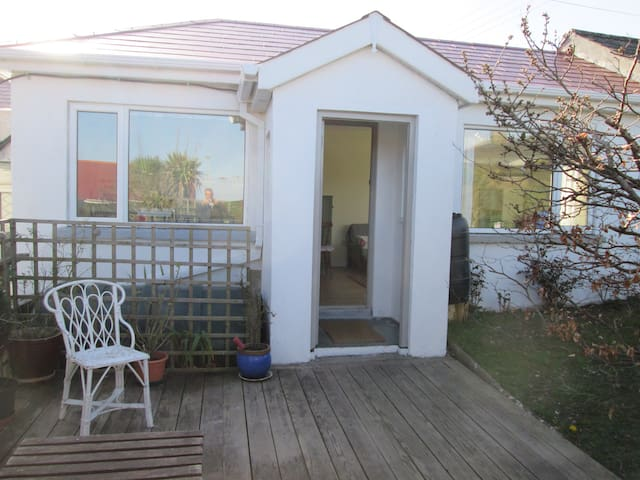 Charming private seaside chalet - Tramore - Apartemen