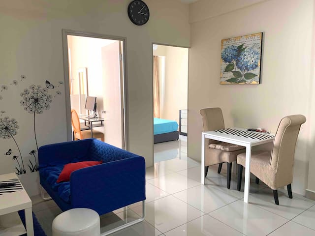 Entire Apart, 2Bed @Flexis OneSouth near UPM/Mines