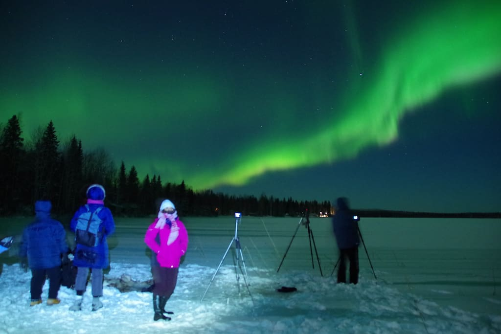 I offer Aurora tours to my guests, including photo sessions, and I share the pics with my guests