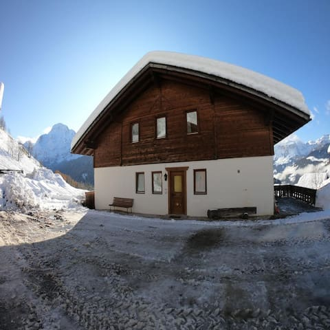 Traditional Apartment Confolia 2 with Balcony, Mountain View & Wi-Fi; Parking Available