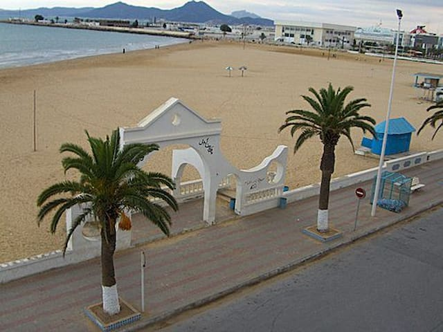 La Goulette, on the very sea front - La Goulette - Leilighet