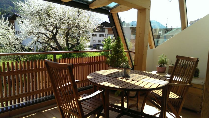 Modernes Appartement, mit sonniger Terrasse - Rasen-Antholz - Appartement