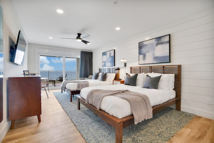 Dreamy Oceanfront Boutique - Room 5
