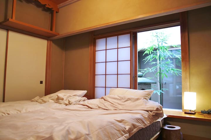 You can enjoy the beautiful sight of inner garden even in the bedroom