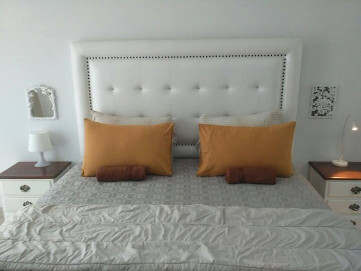 Dago Suites, Bright Cozy Studio Apartement