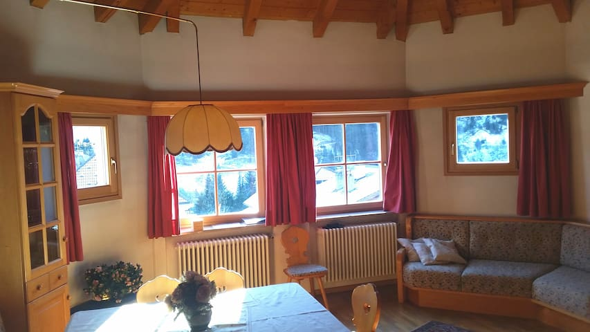 Apartment in Val Gardena with view of Sassolungo - Santa Cristina Valgardena - Huoneisto