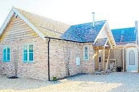 Nr Henley, a small woodland Lodge - Nettlebed - บังกะโล