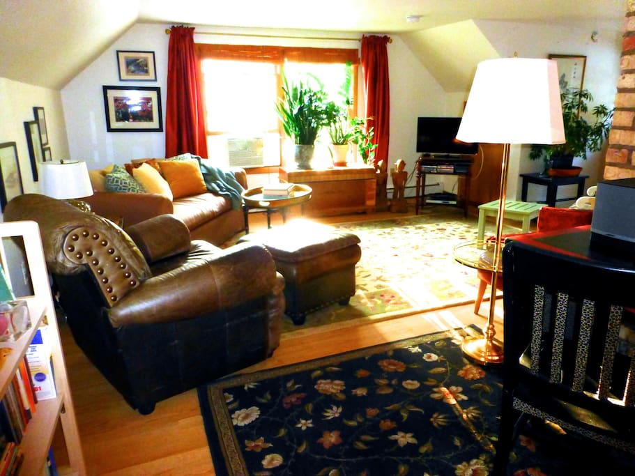 In addition to a great location, Wonderful Retreat is a great place come and relax...