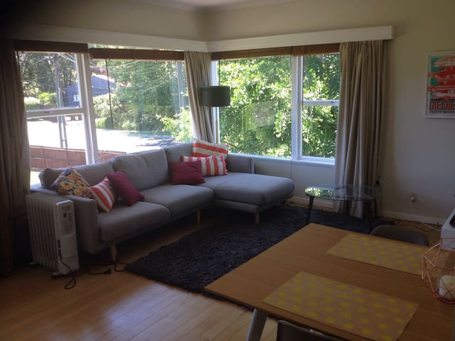 Light and Modern Unit - Auckland - Appartement