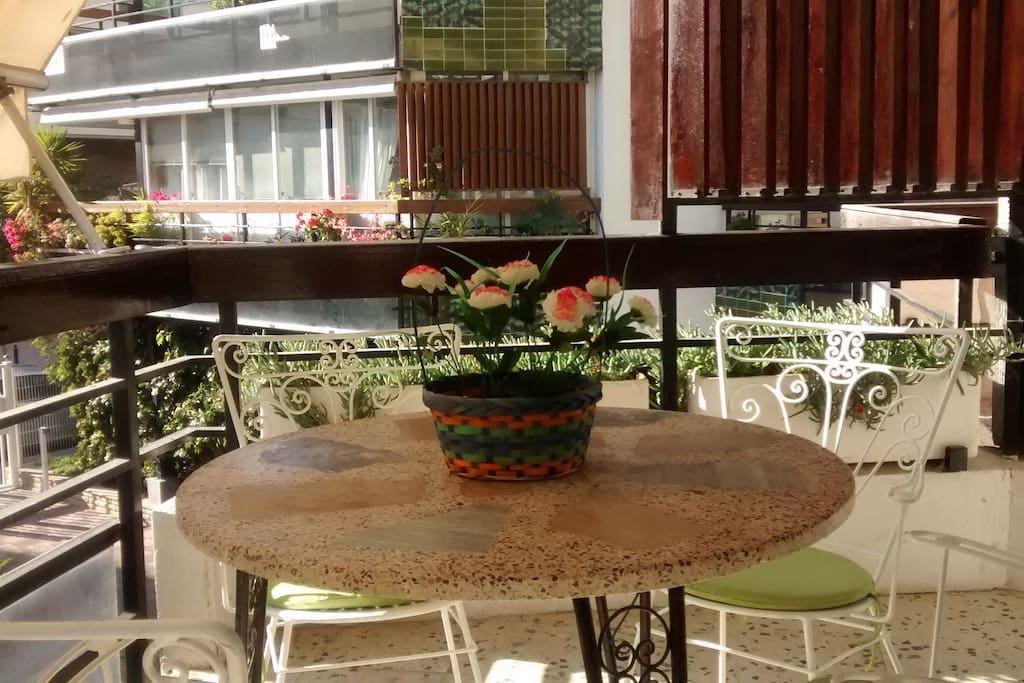terrace's table and chairs