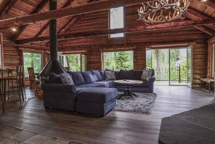 Riverview Lodge | Luxury cabin on Spokane River