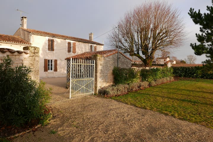 17th Century Farmhouse in the heart of Cognac