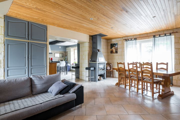 Maison à proximité de l'Aéroport St Exupéry - Pusignan