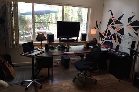Huge rare space/loft near Bondi ! - Bellevue Hill - Rumah