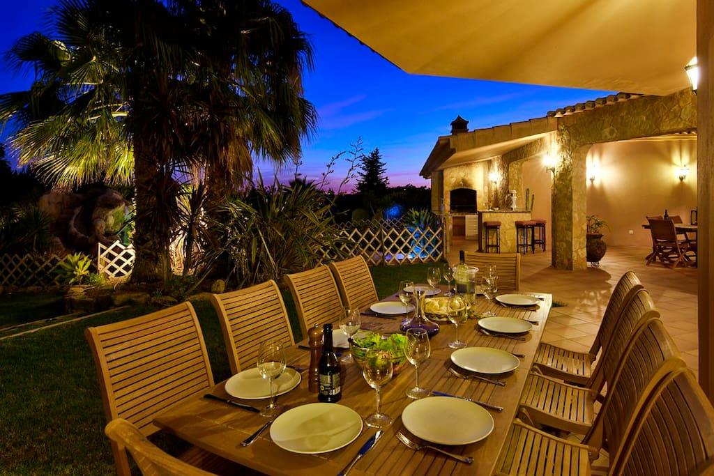 Alfresco dining at night
