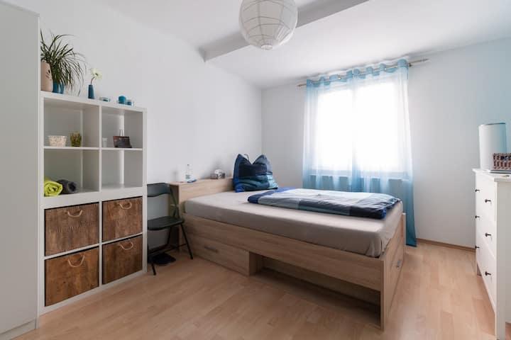 Sonniges Zimmer im Erfurter Süden