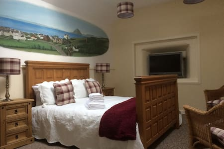 The Cottage Room, Ballantrae (IRISH FERRY PORTS )