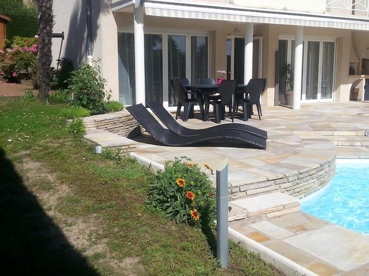 Appartement en rez de jardin au calme