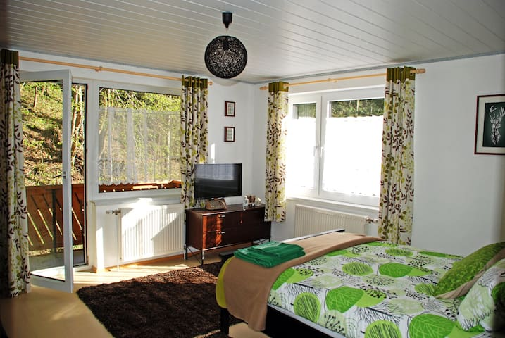 Waldblick Landhaus - Double bedroom with extra bed