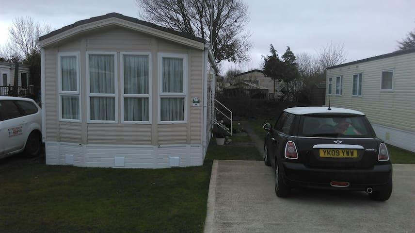 Comfortable caravan on premier park - Patrington Haven - Outro