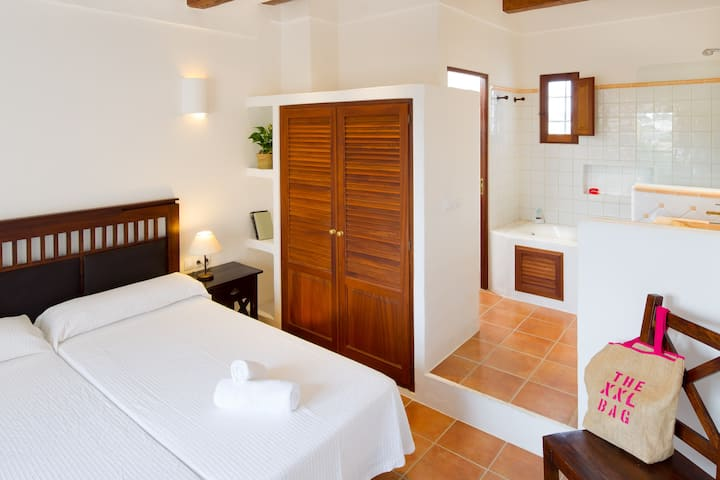 CAN NOVES - Villa de 3 suites