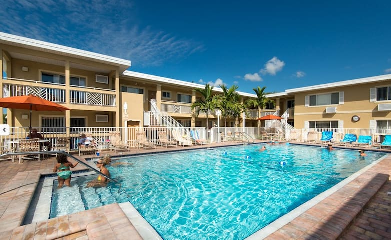 Efficiency: Sleeps four & newly rennovated - Fort Myers Beach - Appartement en résidence