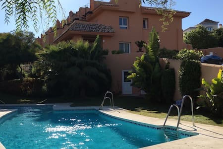 Marbella Deluxe Private Room N2/Shared bathroom