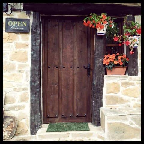 Habitacion de 12 personas - Cantabria - Other